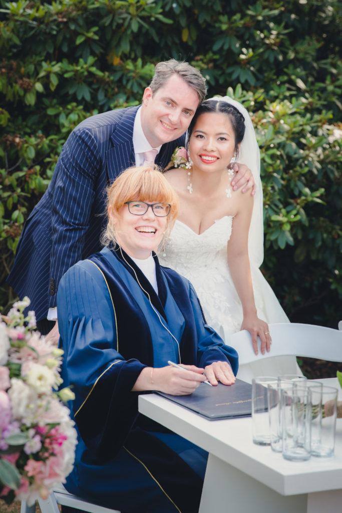 Bruiloft J & T, tekenen van akte